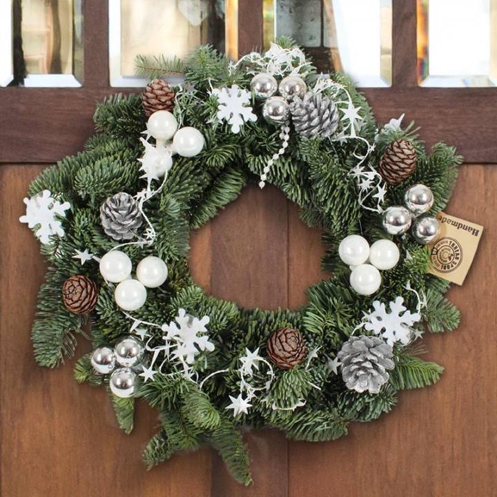 Ein Weihnachtskranz für unsere Tür